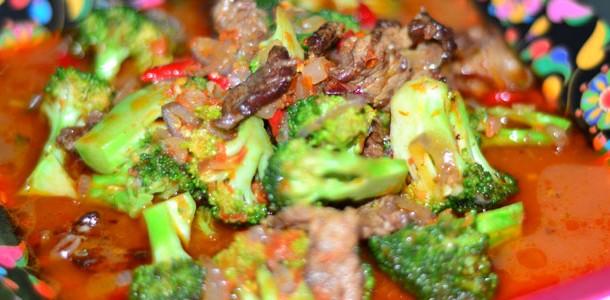Daging Bumbu Merah Brokoli
