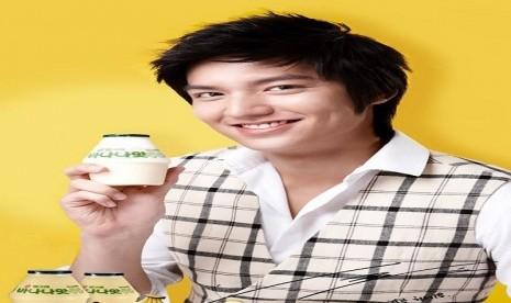 Aktor Lee Min Hoo dalam iklan susu Binggrae
