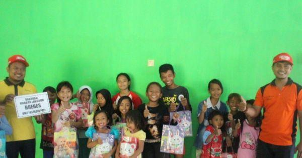 Bersama PBMTI Jateng, KSPPS Fastabiq Salurkan Bantuan Korban Banjir di Brebes