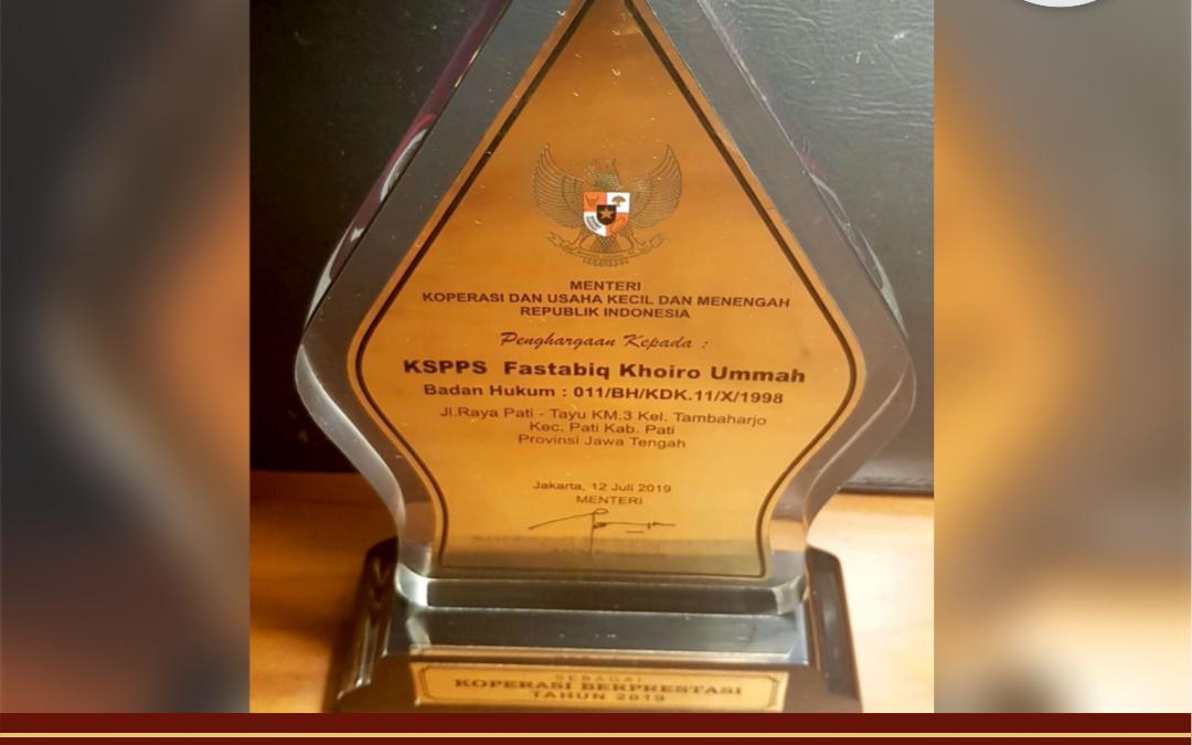 BMT Fastabiq Raih Penghargaan Koperasi Berprestasi 2019