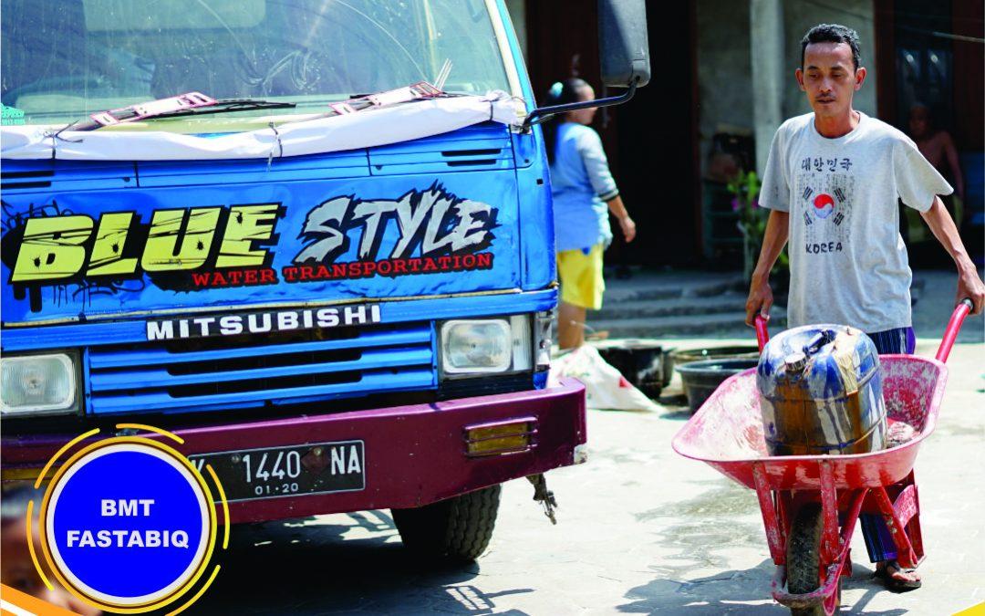 BMT Fastabiq Kirim 7.000 Liter Air Bersih di Desa Pasuruhan Kayen
